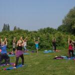 Ochtend yoga in de natuur